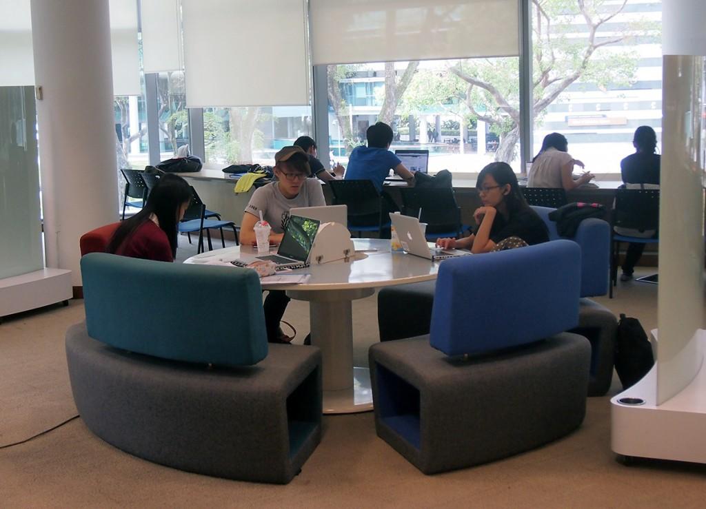 SMU Li Ka Shing Library: Collaborative seating