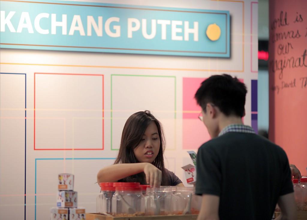 Kachang Puteh stall at SMU Open House 2014
