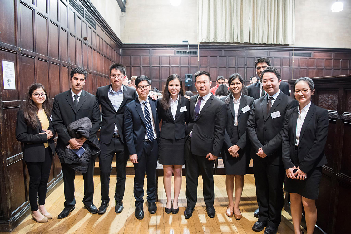 What Can Law Students Gain from Moots?