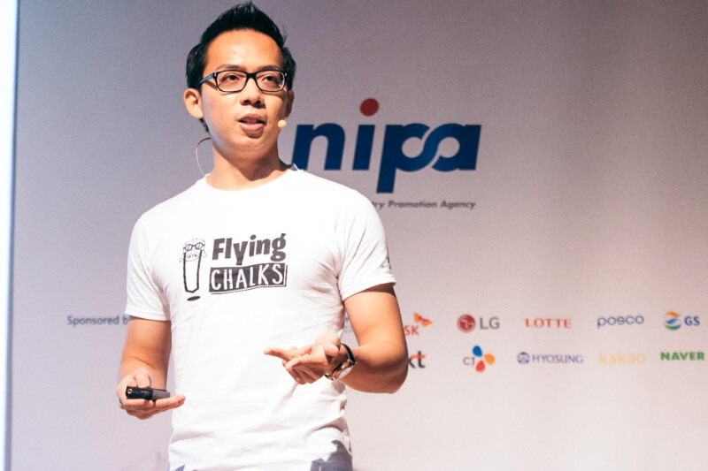 Melvin Lee, pitching at K-Startup Grand Challenge in South Korea
