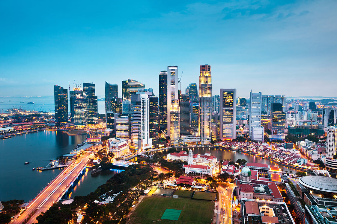 I Moved From Vietnam and Landed a Cutting-edge Job in Singapore Finance. Here's How.