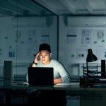 The Entrepreneurs' Dilemma: Should Startups Join an Incubator?