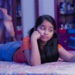 5 Ways Social Media Can Influence Body Esteem in Female Adolescents